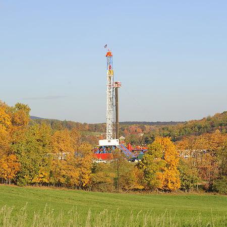 800px-Horizontal_Drilling_Rig